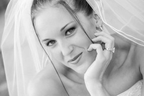 Black and White Bridal Photographer